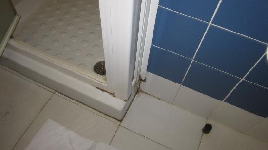 Club Med Cargese: devant la douche
