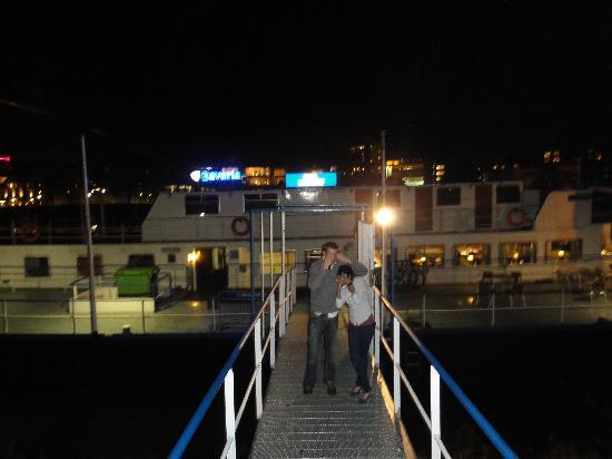 Botel Maastricht: Front of Botel at night