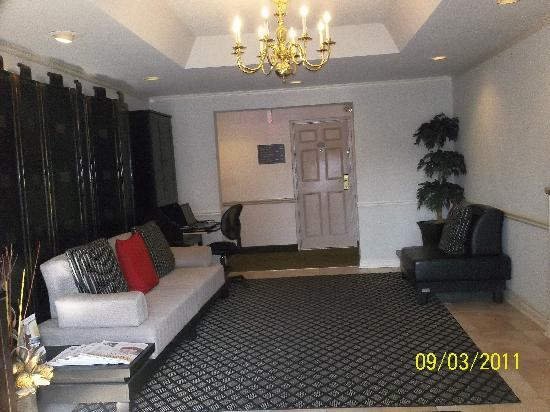Best Western Colonel Butler Inn: Reception Area