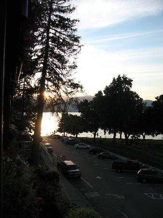 Lakeside Lodge and Suites: sunset