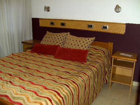 Alex Hotel: Zimmer