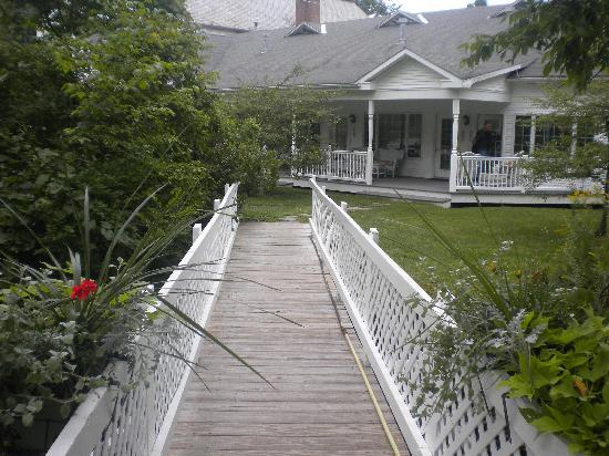 The 1896 House Country Inn - Barnside Inn: View of 206 from footbridge