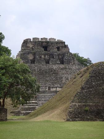 Hamanasi Adventure and Dive Resort: Mayan ruins at Xunantunich
