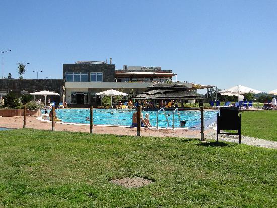 Montebelo Aguieira Lake Resort & Spa: Piscina e recepção