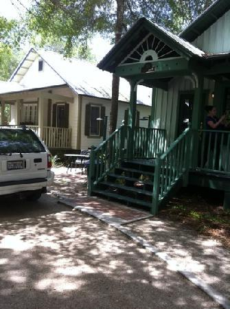 Steinhatchee Landing Resort: the cottages!