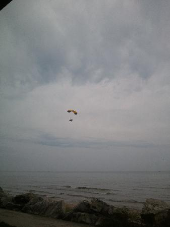 Lighthouse Inn Hotel: surprise in the air