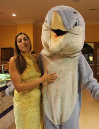 Playacalida Spa Hotel: animadores de visita al restaurante