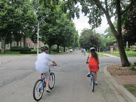 Oak Park Bike Tour