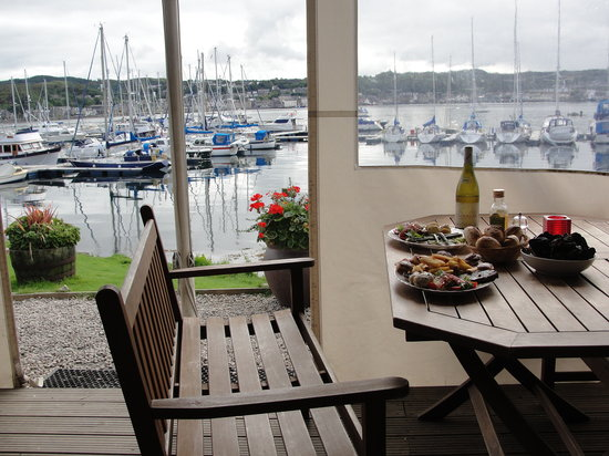 Waypoint Grill: relax with the best views...