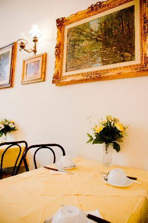 Hotel Maxim: Breakfast Room