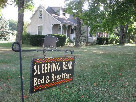 Sleeping Bear Bed and Breakfast : The Sleeping Bear B&B