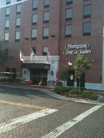 Hampton Inn & Suites Gainesville-Downtown: front exterior
