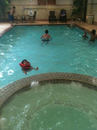 Holiday Inn Express & Suites Houston - Memorial Park Area: pool & hottub , nice!