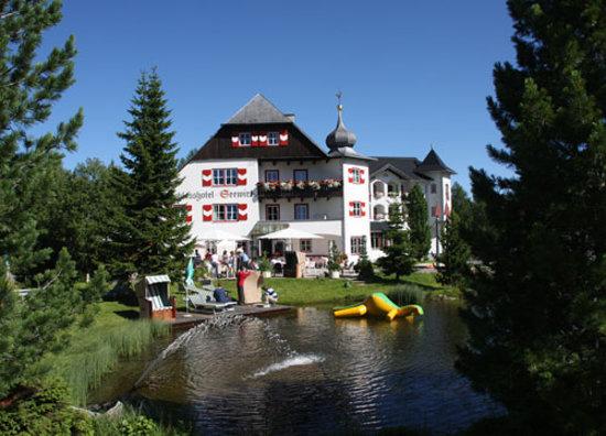 Schlosshotel Seewirt : Südansicht