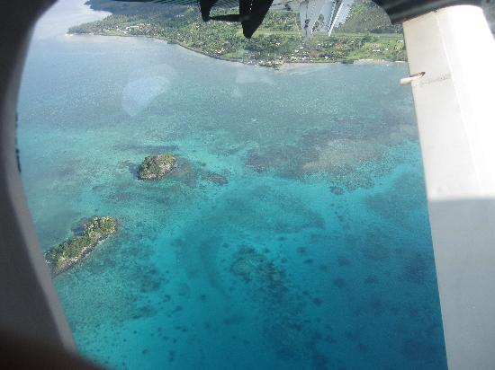 Jewel Bubble Divers: Fiji from plane