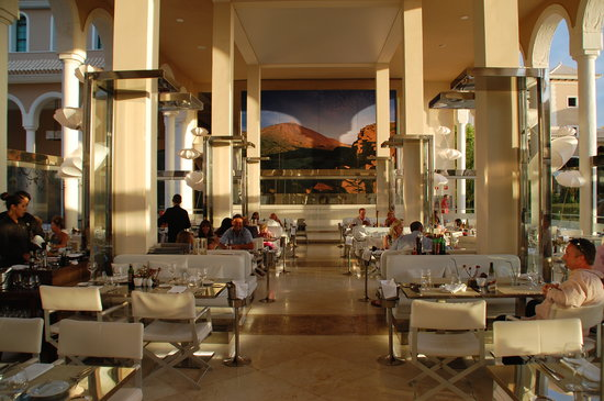 Gran Melia Palacio de Isora Resort & Spa : Italian (lovely venue)