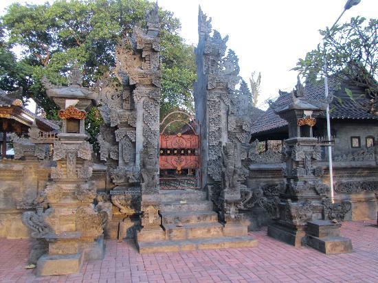 Discovery Kartika Plaza Hotel: templio