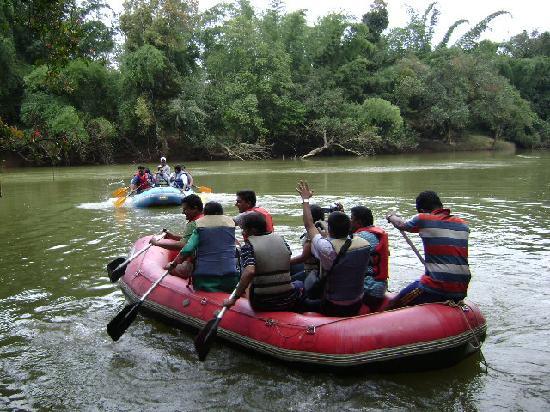 Kadkani River Resort: River Rafting