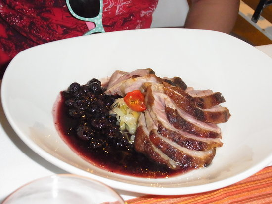 Lulu Restaurant : Here is the duck- gorgeous!
