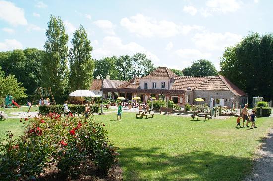 Chateau Camping de la Bien Assise : Bar/shop/take away