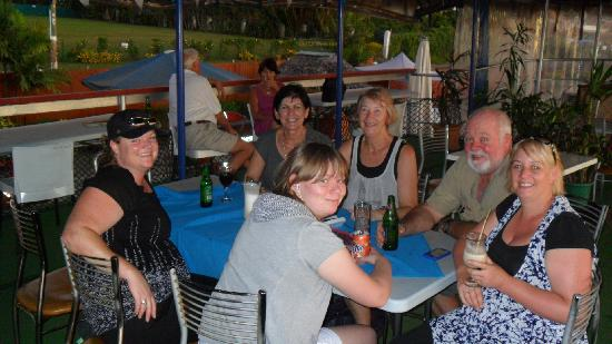 Apia Yacht club: Relaxing together