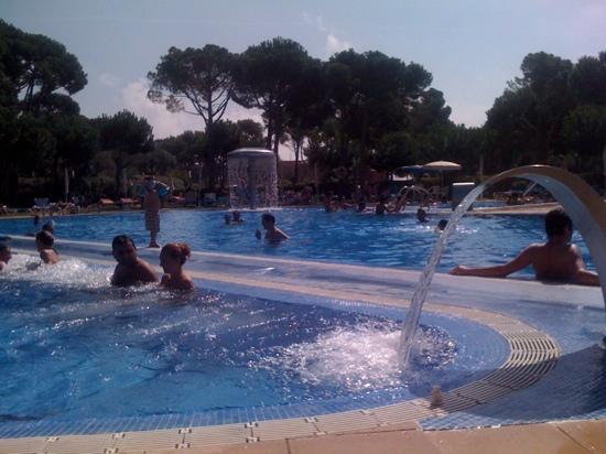 Aparthotel Ciutat de Palol: piscina