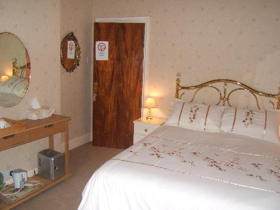 Kenlis Arms: Double Room
