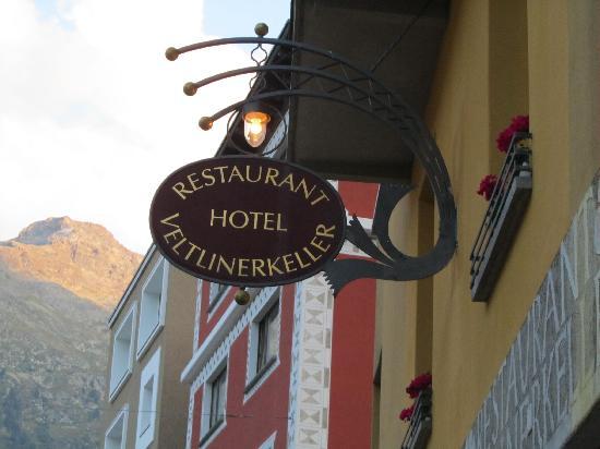 Veltlinerkeller : restaurant sign