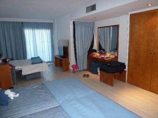 Protur Palmeras Playa Hotel : bedroom