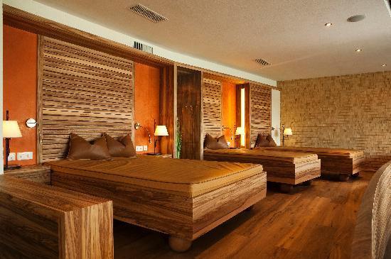 Wellnesshotel Engel: Wasserbetten im Raum der Ruhe