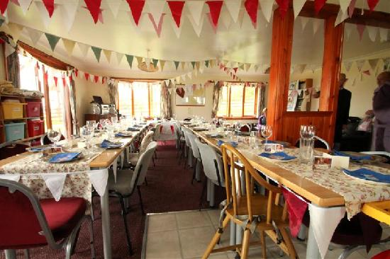 Arle Lodge: wedding decorations