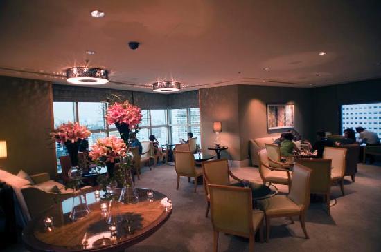 โรงแรมคอนราด เซ็นเทนเนียล สิงคโปร์: Main area of the Exec Lounge