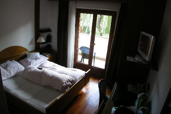 Hotel Sterzinger Moos : camera matrimoniale