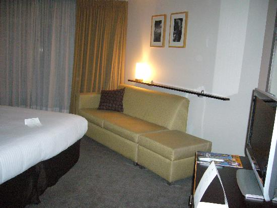 Amora Hotel Riverwalk Melbourne: room