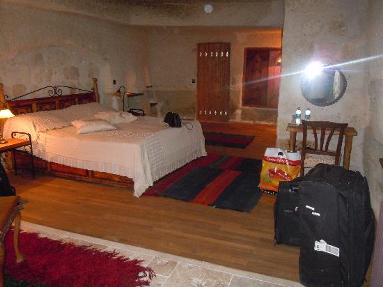 Sultan Cave Suites: Our cave suite