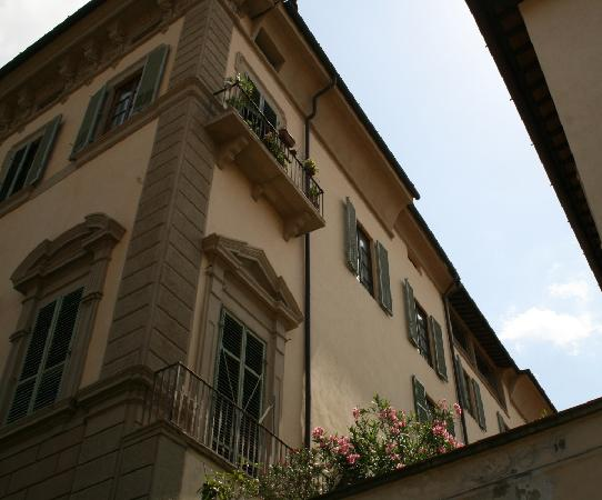 Residenza d'Epoca Home in Palace : Your windows under the eaves - from the street