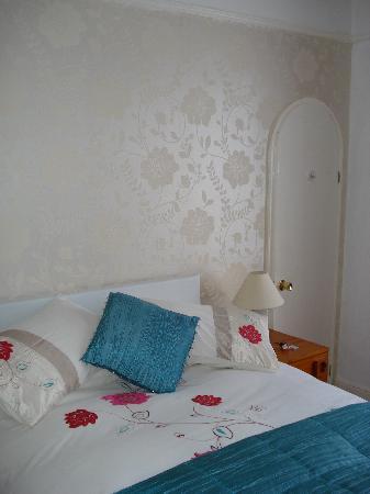 Wymering Guest House: Doppelzimmer mit Badezimmer