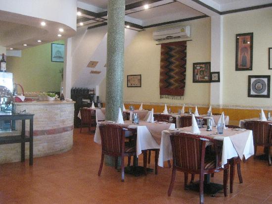 Sockeye salmon tartare - Bild von Aria Italian Culinary Arts ...