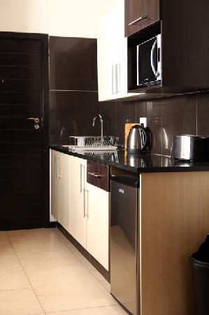 The Space Guest House: suite 11 kitchenette