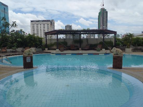 A-One Bangkok Hotel: piscine