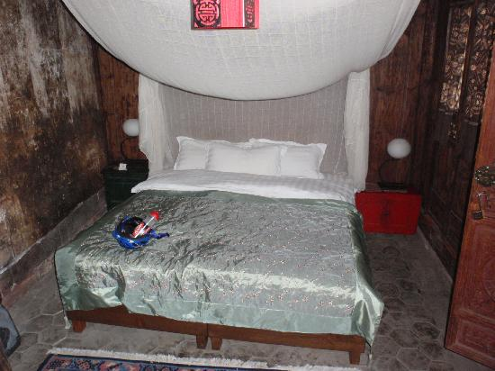 Shaxi Laomadian Lodge : Double bedroom - nearest to entrance