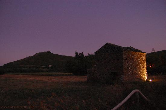 Camping La Pietra : vista notturna dei dintorni