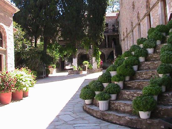 สกีอาทอส, กรีซ: Evangilistra Monastery 2011