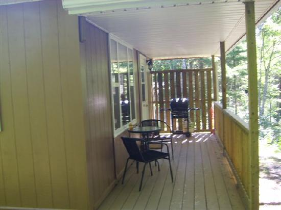 Roseway River Cottages: Covered Deck
