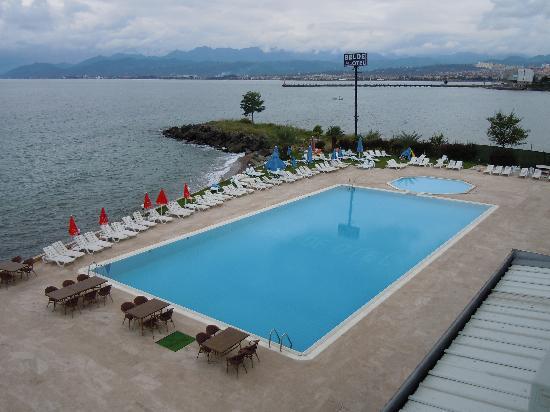 Belde Otel: la piscina sul Mar Nero