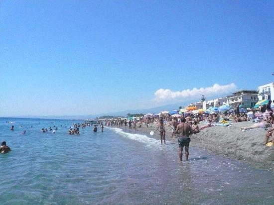 Atahotel Naxos Beach : plage prive ideal pour les familles