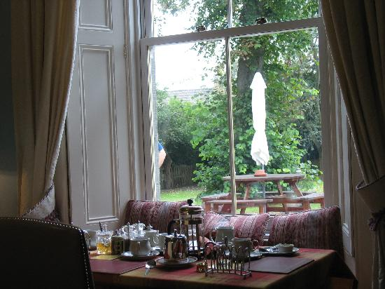 Backmarch House: colazione con vista sul giardino