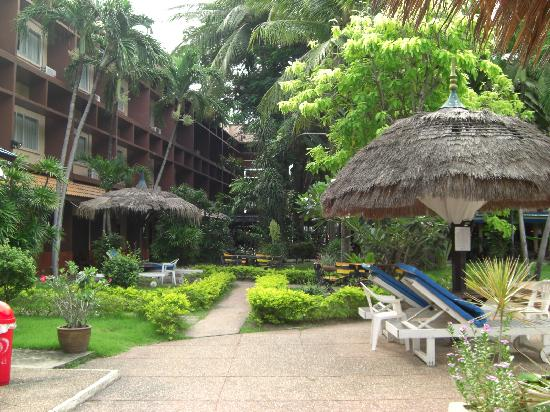 Basaya Beach Hotel & Resort : ホテル