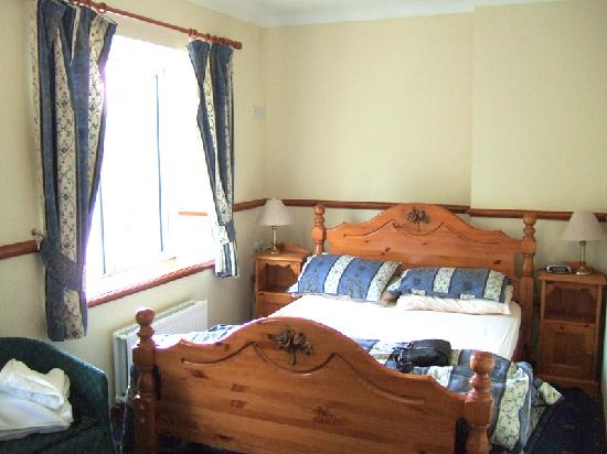 The Gower Hotel and Orangery Restaurant: Family Bedroom