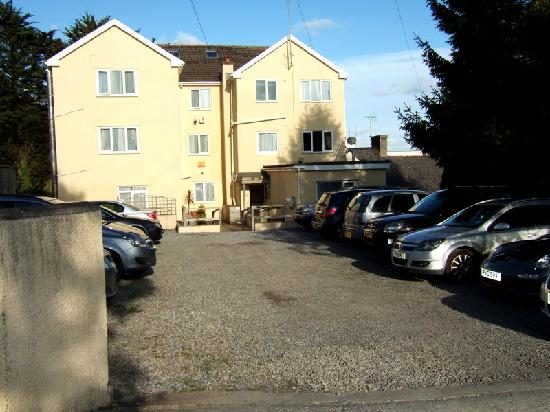 The Gower Hotel and Orangery Restaurant : Rear car park